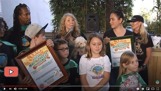 Image of Animal Hero Kids Founder Susan Hargreaves with kids